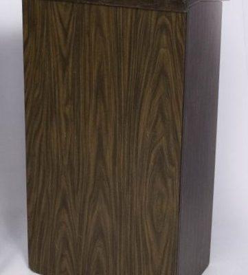 podium-wood-ura